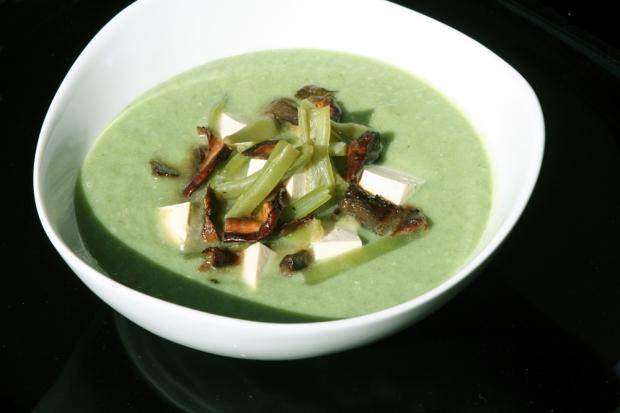Merengue de judías verdes con boletus edulis y tofú